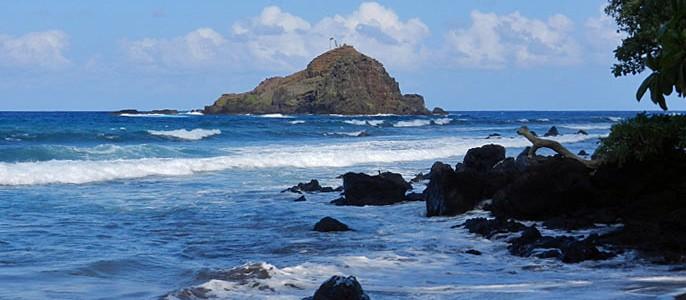 Hawaii Deals | Wainapanapa Beach Maui