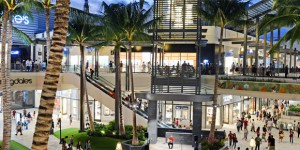 Ala Moana: 340 Hawaii Shops + Waikiki Beach