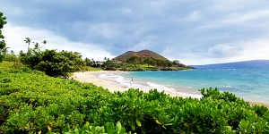 Flights From Phoenix to Hawaii | Three Islands $187+
