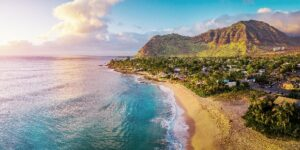 Avoid Sold Out Signs + 12 Other Hawaii Travel Problems