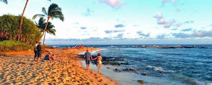 Two Lawsuits, $1 Billion+ | Hawaii Travel Woes Escalate